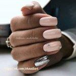 Блестящий дизайн квадратных ногтей