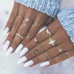 Длинные белые ногти